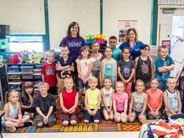 1st Grade Teacher Receives $250 Award